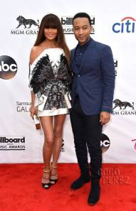 billboard-music-awards-2014-john-legend-chrissy-teigen-red-carpet__oPt